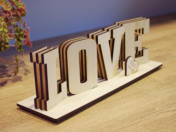 Napis LOVE sklejka