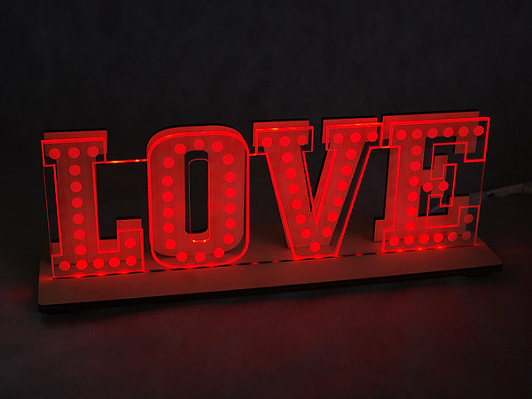 Napis LOVE LED RGB 28cm sklejka_plexa